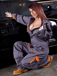 Cute mechanic pictures at freekiloporn.com