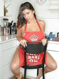 Briana Lee Extreme Bake On pictures at kilovideos.com