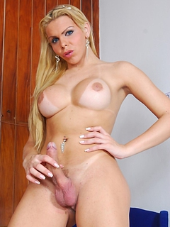 Free Shemale Porn Movies and Free Shemale Sex Pictures