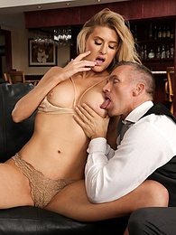 Mature babe Anna Kelly fucks the bartender after blind date stand up pictures at find-best-hardcore.com