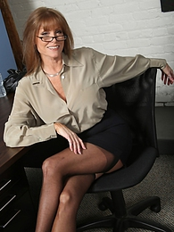 Darla Crane pictures at find-best-panties.com