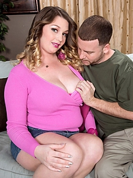 40g-cup Babysitter Likes Married Men pictures at kilosex.com