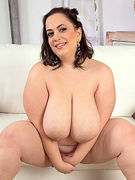 Soft Curves pictures at kilovideos.com