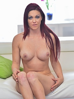 Free MILF Sex Pictures and Free MILF Porn Movies
