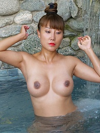 Incredible Eastern Beauty pictures at kilosex.com