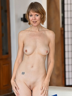 Free MILF Porn Movies and Free MILF Sex Pictures