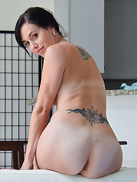 Return To Scarlet pictures at kilovideos.com