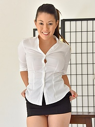 Little Black Skirt pictures at dailyadult.info