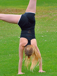 Acrobatics In Public pictures at kilovideos.com