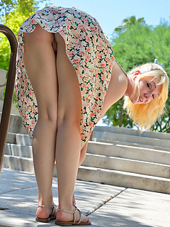Free Upskirt Porn Movies and Free Upskirt Sex Pictures