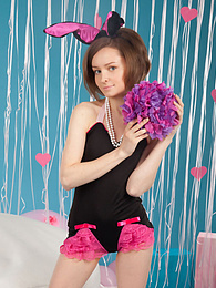 She knows how to show that pussy off in the most irresistible way and how to have fun with it pictures at kilogirls.com
