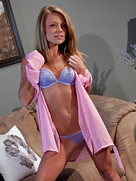 Pink Robe pictures at find-best-hardcore.com