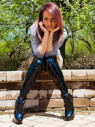 Dress And Thigh Highs pictures at freekilomovies.com