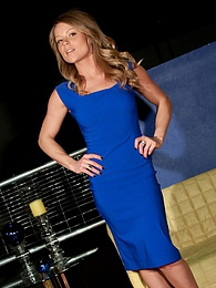 Blue Dress pictures at kilogirls.com