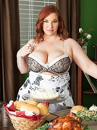 Sadie's The Main Course pictures at lingerie-mania.com