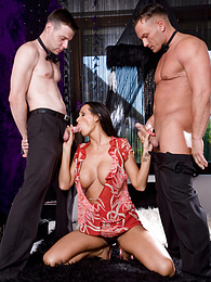 Mandy Bright gets a hot double-penetration from two cocks pictures at freekiloclips.com
