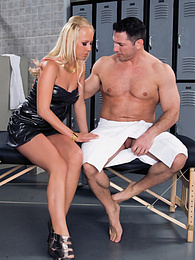 Interracial-Action with slutty Carla Cox and a black cock pictures at freekilosex.com