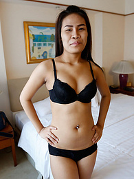 19-year old hairy Thai stunner gives good time to white tourist pictures at kilogirls.com