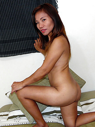 Filipina MILF handjob expert with kung-fu grip pictures