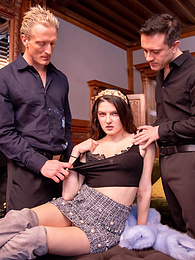 Francesca di Caprio loves DP deep throat and cum on her face pictures at freekilosex.com