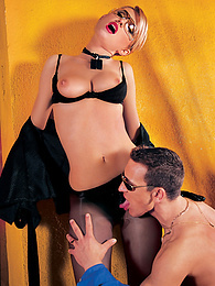 Kinky vintage Sex with dressed up Renata Wife and Anal Beads pictures at kilopics.net