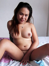 Wild Filipina babe savors white cock in her mouth and pussy pictures at freekilomovies.com