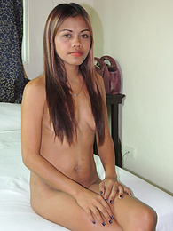 Hardcore Filipina chick works a well-earned nut from tourist pictures at dailyadult.info