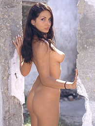 Stunning outdoor stripping action pictures at find-best-lingerie.com