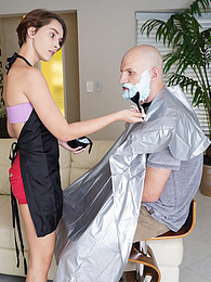 Teen Natalie Porkman dyes his beard blue and fucks him to make up for it pictures at kilopills.com