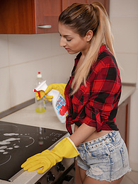 Stunning babe Sarah Cute gets her tight pussy fucked in the kitchen pictures at freekilosex.com