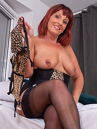 Horny older woman Beau Diamonds uses vibrator on her mature pussy pictures at find-best-lingerie.com