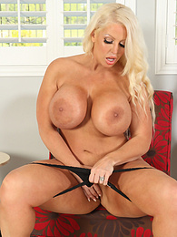 Thick curvy mature babe Alura Jenson stuffs panties into her pussy pictures at kilovideos.com