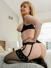 Older mature babe Nina Hartley gets her pussy pounded hard pictures
