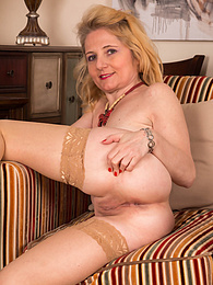 Sexy older babe Lily Roma spreads her tasty mature pussy pictures at kilogirls.com
