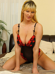 Busty mature babe Vanessa Lovely toying her very hairy older pussy pictures at find-best-panties.com