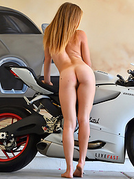 Motorcycle And Anal pictures at find-best-lingerie.com