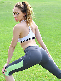 Sexy Sporty Girl pictures at find-best-panties.com