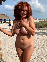 Nude On The Beach pictures at freekilosex.com