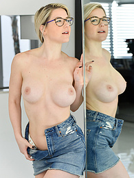 Denim Skirt pictures at find-best-lesbians.com
