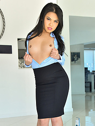 The Pencil Skirt pictures at find-best-lingerie.com