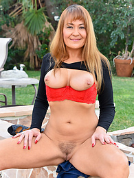 Mature Outdoor pictures at find-best-hardcore.com