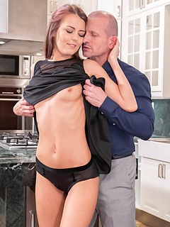 Free Housewife Sex Pictures and Free Housewife Porn Movies