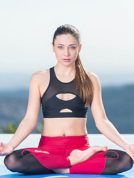 Talia Mint, Stunning Teen Enjoying Yoga and Cum on her Face pictures at freekilosex.com