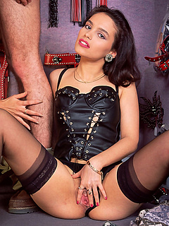 Free Corset Sex Pictures and Free Corset Porn Movies