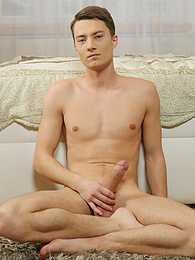 Hung Tommy Hunter strips and shows off his big cock pictures at freekiloclips.com