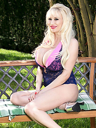 A Walk In The Park With Sandra Star pictures at find-best-lingerie.com