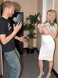 Her Big Tits Open All Doors pictures at freekilomovies.com