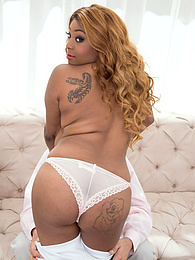 Rachel Raxxx: The Pick-Up pictures at kilogirls.com