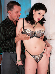 A Body For Sex pictures at kilogirls.com