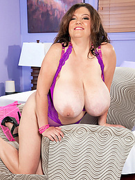 Her Mammary Majesty pictures at dailyadult.info